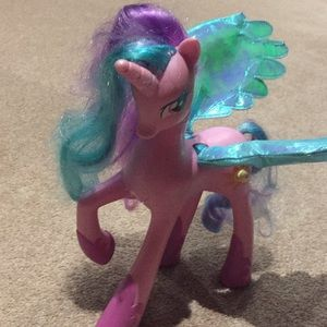 Unicorn toys with wings